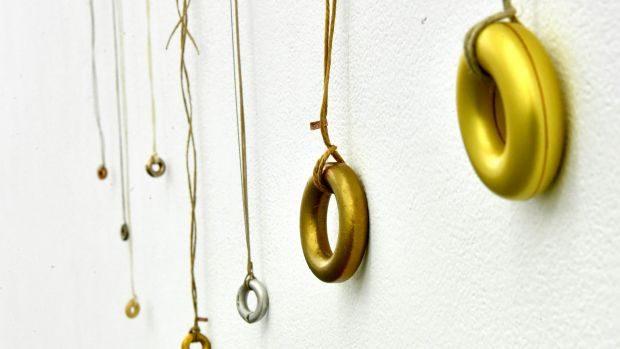 Den australske smykkekunstner Susan Cohn udstiller på Grønbechsgaard