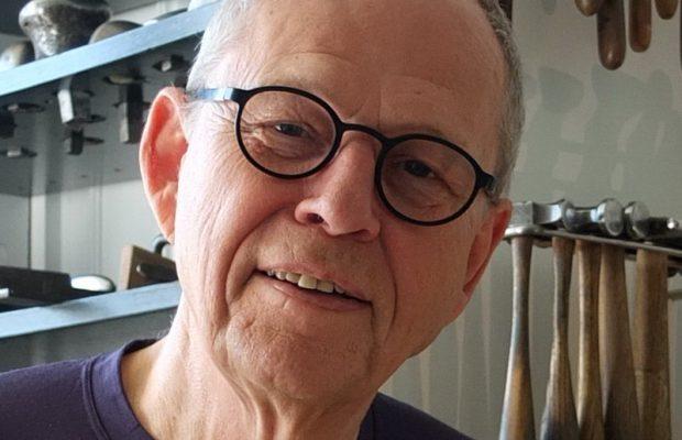 Sølvsmed Allan Scharff får hæderslegat på 30.000 kr. fra Kjøbenhavns GUldsmedelaug